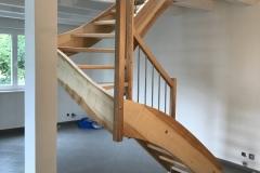 Escalier en frêne avec tube inox