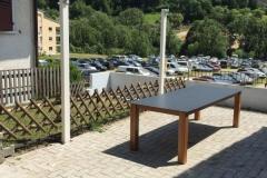 Table exterieur avec plateau monobloc